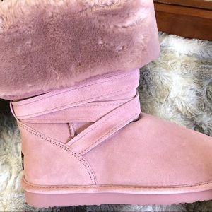 NIB LAMO Suede and Faux Fur Foldover Cuffs Boots